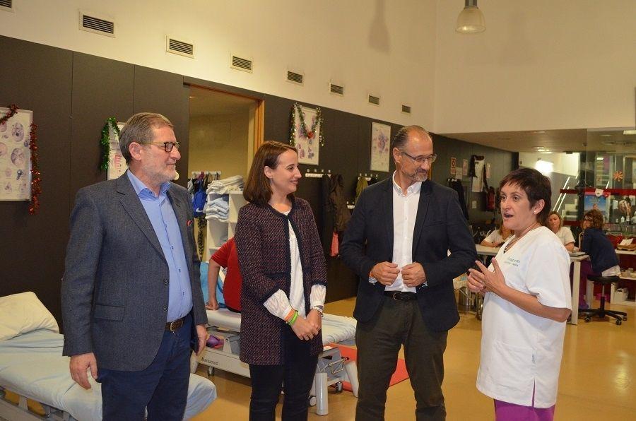 Luis Fuentes, Pilar Vicente, Anabel Pérez y Julio Herrero en la visita de Ciudadanos a ASPAYM CyL