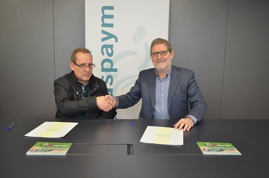 Firma del convenio con los representantes de ambas entidades