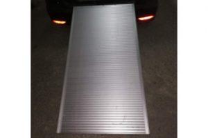 vista de la rampa situada en un coche