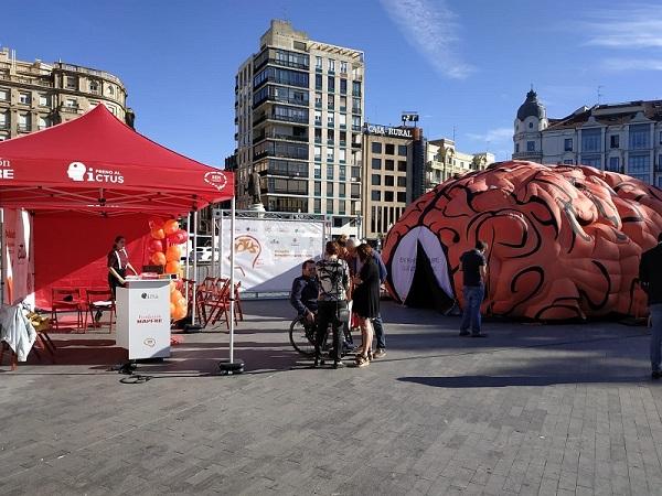 Carpa de la campaña montada en la Plaza Zorrilla