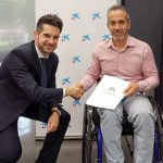"""ASPAYM Castilla y León y CaixaBank firman un acuerdo de cola-boración para promover el proyecto """"En un TIC mejora tu día a día"""""""