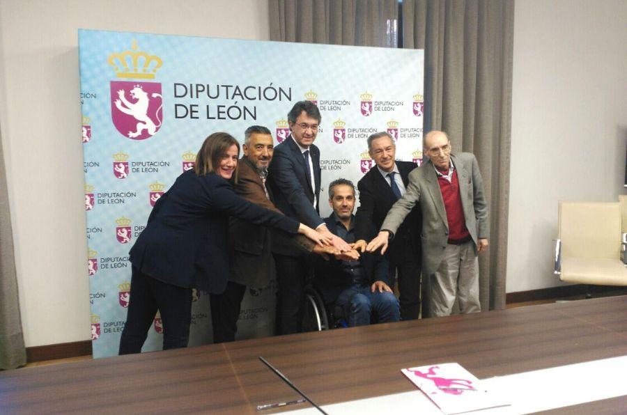 Representantes en la firma del convenio de colaboración