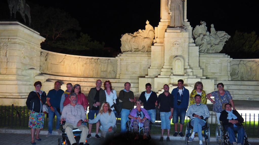 Asistentes al viaje de Chiclana posan en grupo