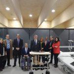 ASPAYM Castilla y León recibe en su sede de Ávila un bipedestador gracias a la recaudación del X Torneo de Golf Rotary Club