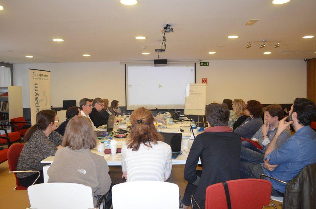 Asistentes a la reuniónd el proyecto durante una de las sesiones