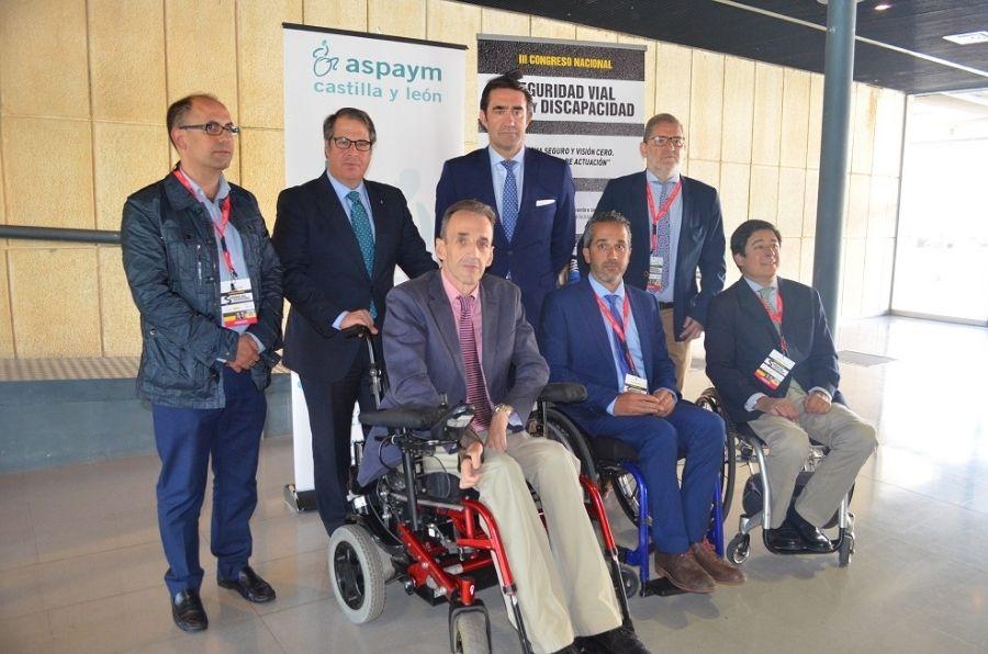 Borja Fanjul, Juan Carlos Suárez-Quiñones, Ángel de Propios, Luis Cayo y Gregorio Serrano en la clausura del III Congreso de Seguridad Vial y Discapacidad