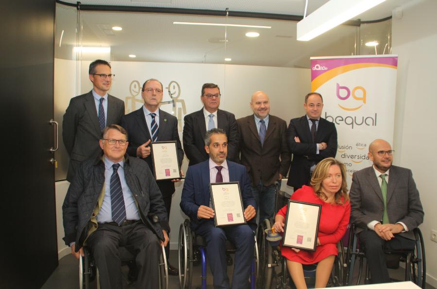 Representantes de CETEO, Grupo Amiab y Fundación Cisa, en la entrega del reconocimiento Sello Bequal Plus
