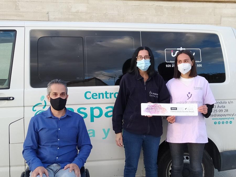Entrega de la ayuda Impulsando Capacidades en Ávila